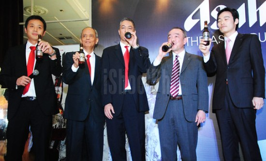 Asia Brewery Inc. and Asahi Breweries Limited execs during the ceremonial toast and drink at Opus Bar & Lounge.
