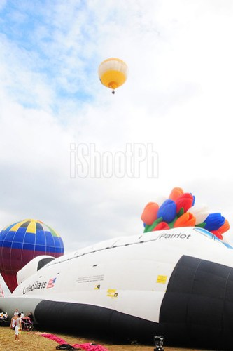 Axe Philippines space-shuttle balloon ready to fly high.