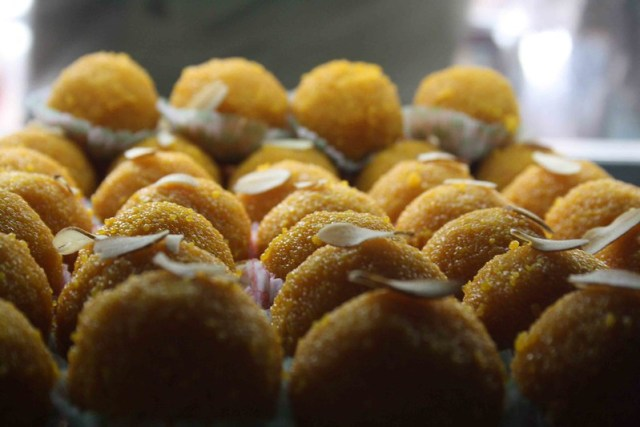 City Food - Motichoor Laddu, Ghantewala Halwai
