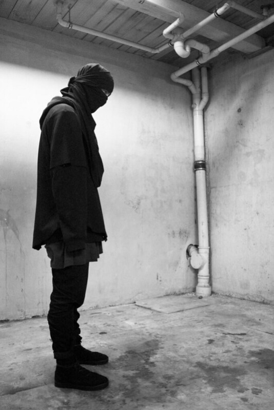 Tuukka13 - November Moodboard - Waist Deatails, Covered Faces, Hooded Rick Owens, Rick Owens High-Tops, Black Crews and Head To Toe White Outfits - 5