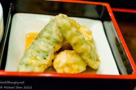 Suminoya - tempura - asparagus, sugar bean & prawn