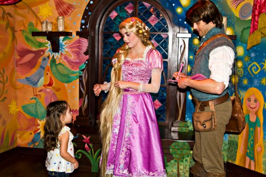 chatting with Rapunzel and Flynn
