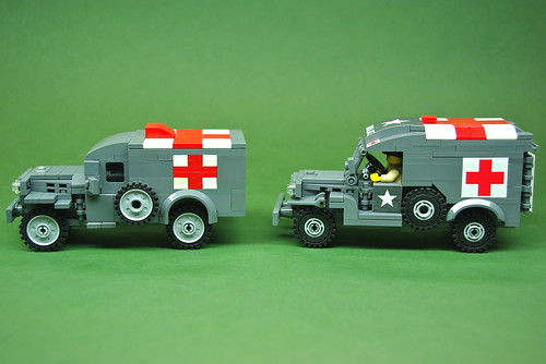 WC54 Ambulance comparison - Dunechaser vs. Brickmania (2)