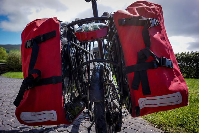 Tern Link P24h: with Crosso Twist panniers