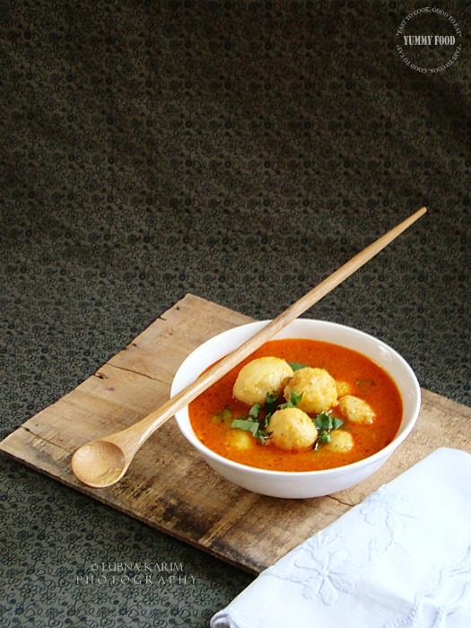 Arvi Ka Khatta Salan/Taro Root in Tangy Gravy