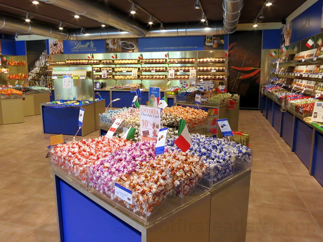 Lindt Outlet at The Mall, Florence-003