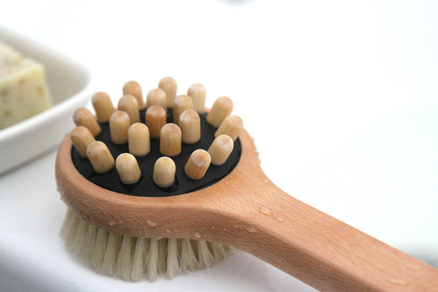 green tree boutique giveaway bath brush