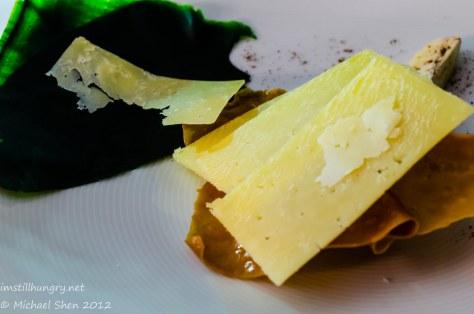 Marque - Pyengana cheddar w/lady finger banana, spinach, pepper & nougatine