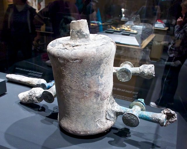 Roman water bypass box with valves