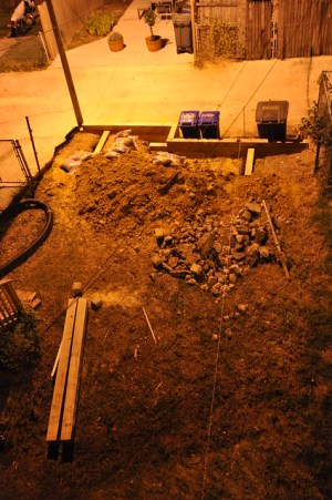 Retaining Wall Night 2012-09-16 21.25.09