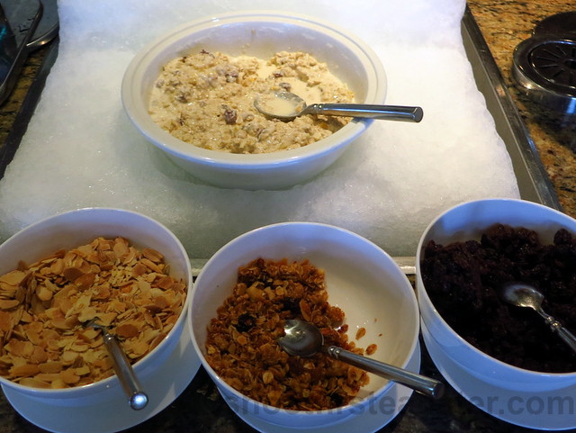 muesli and dried fruits