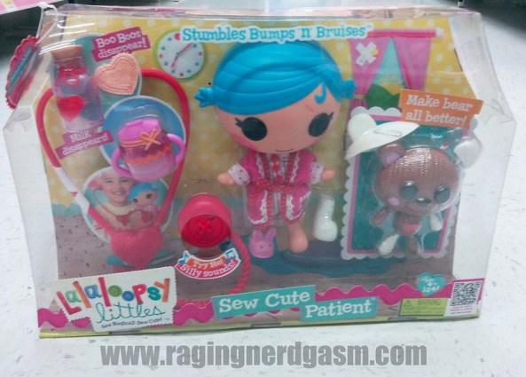 Lalaloopsy Dolls Littles Stumbles Bumps n Brises Play setSew Cute Patients05