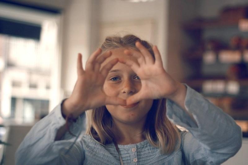Eyed through hands