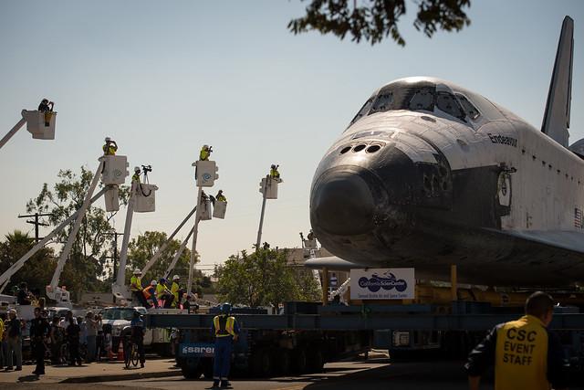 Space Shuttle Endeavour Move (201210130026HQ)