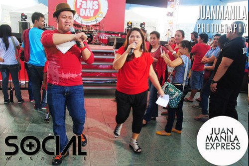 Survivor Philippines castaways Betong and Maey entertained the fans who attended the biggest Fans Day by Nescafé at the SM Mall of Asia.