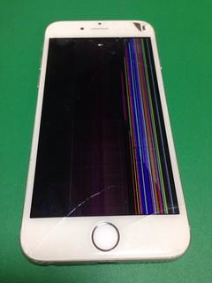 125_iPhone6のフロントパネル液晶割れ