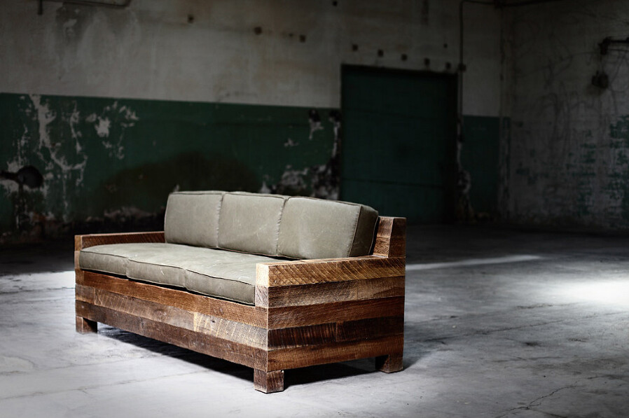 INSPIRATION: NOTES ABOUT INTERIOR DESIGN - District Millworks Couch