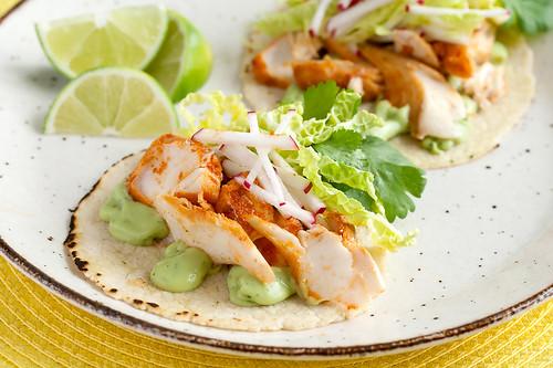 Holy guacamole spicy fish tacos with avocado yogurt sauce for Fish taco sauce yogurt