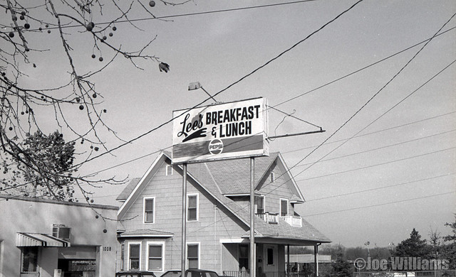 Lee's Breakfast & Lunch