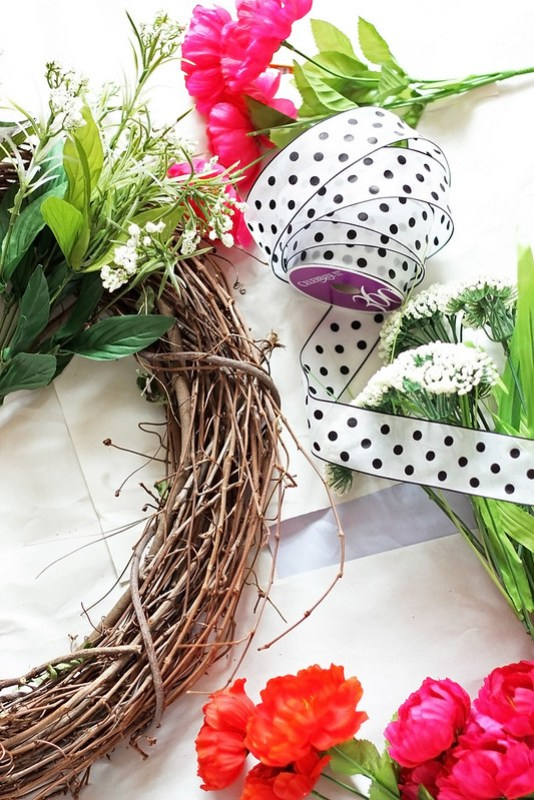 DIY-Spring-Wreath-Things-Needed-2