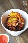 Shwe Pyon di Kyaw hni Kyet Thon Kyaw (Pumpkin and Onion Fritters)