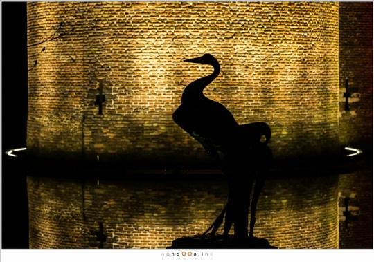 De kraanvogel in de kasteeltuin