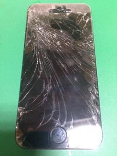 146_iPhone5Sのフロントパネル液晶割れ