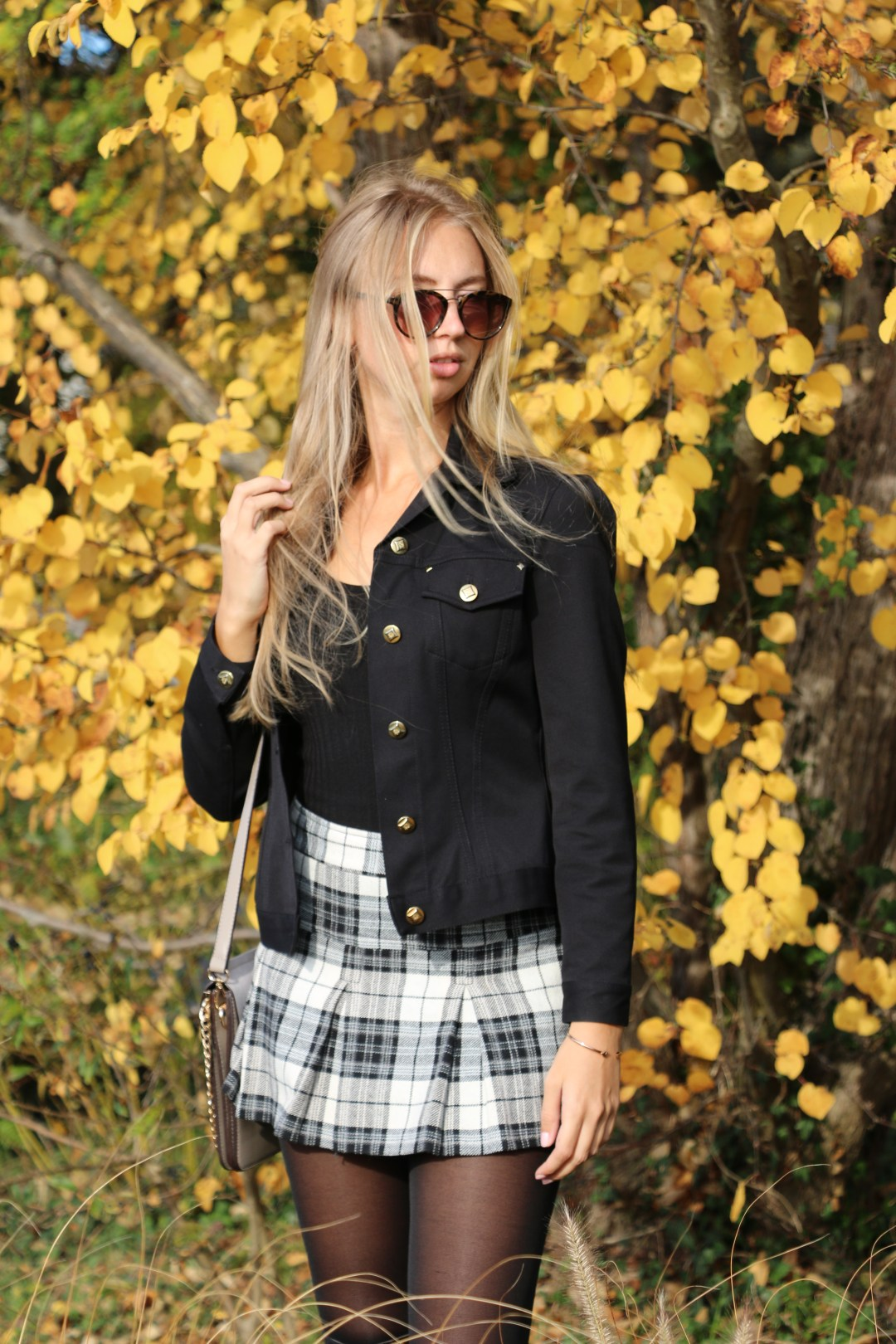 fashion-fall-mode-herbst-rock-overknees-boots-stiefel-rock-outfit-chloe-faye-fashionblog-berlin