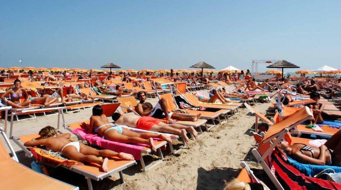 Summer bon ton le 10 cose da evitare in spiaggia for Cabine bon ton roulet sul fiume
