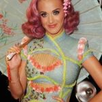 katy-perry-at-VMA-with-frederick-fekkai-on-FashionDailyMag