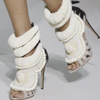 KANYE WEST spring 2012 rocks paris