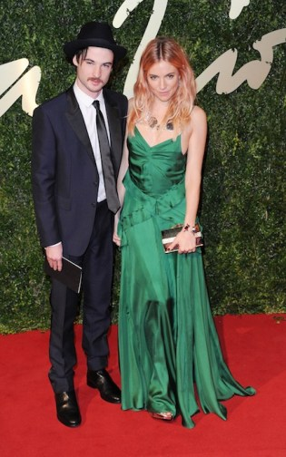 Sienna Miller and Tom Sturridge british fashion awards fashiondailymag