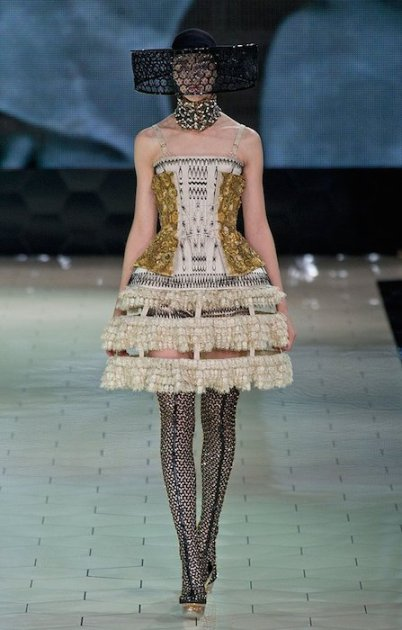 alexander mcqueen spring 2013 fwp FashionDailyMag sel 4