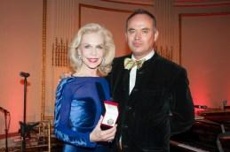 Lynn Wyatt, Christopher Mason casita maria fiesta 2014 fashiondailymag