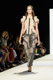 jeans-for-refugees-ss17-fashiondailymag-pt_098
