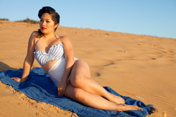 Blue_stripped_bikini_03