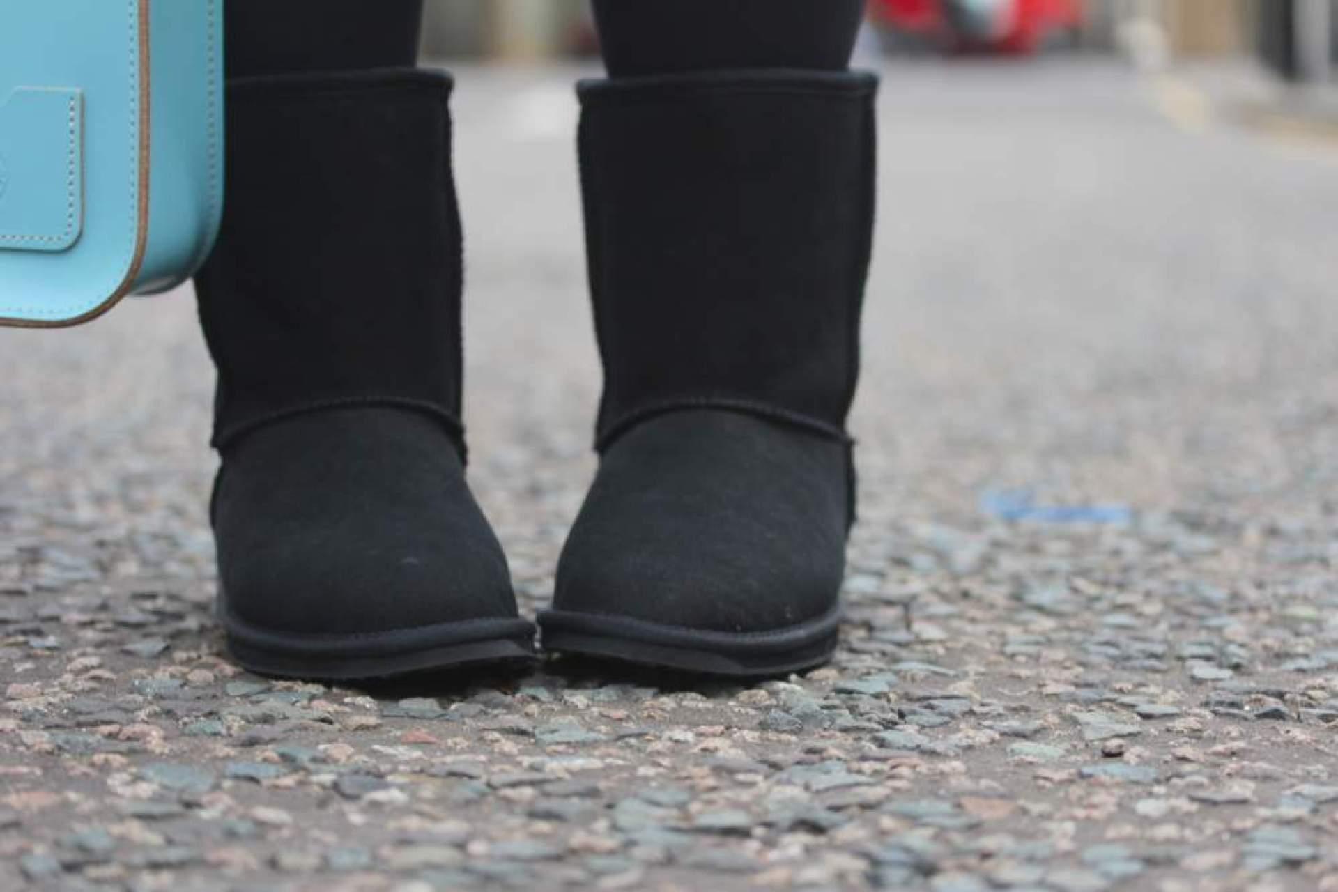 emu boots in black