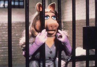Miss Piggy is framed for the theft of a jewel and languishes in jail in Jim Henson's 'The Great Muppet Caper'. (Photo by Hulton Archive/Getty Images)