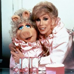 Miss-Piggy-paid-tribute-to-Joan-Rivers-despite-their-longstanding-feud-originating-with-their-co-starring-roles-in-1984s-The-Muppets-Take-Manhattan