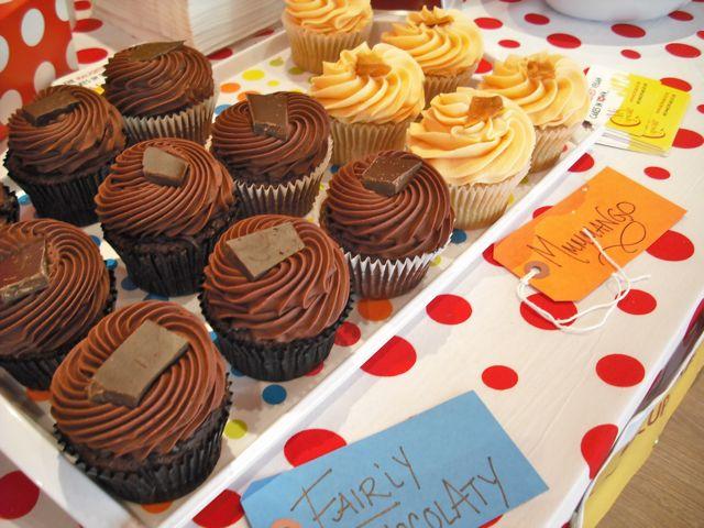 http://i1.wp.com/fatgayvegan.com/wp-content/uploads/2011/03/cakes-3.jpg?fit=640%2C480