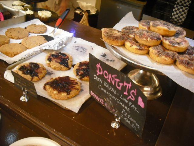 http://i1.wp.com/fatgayvegan.com/wp-content/uploads/2012/07/donuts.jpg?fit=640%2C480
