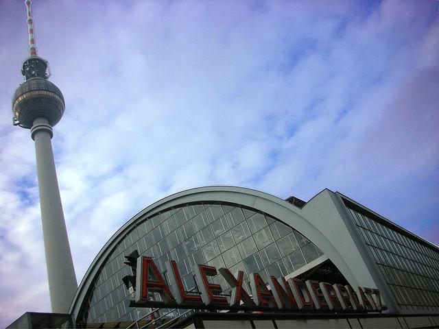 http://i1.wp.com/fatgayvegan.com/wp-content/uploads/2012/09/alexanderplatz.jpg?fit=640%2C480