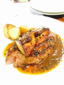 黒毛和牛ヒレ肉シャトーブリアンとフランス産フォアグラのロッシーニ