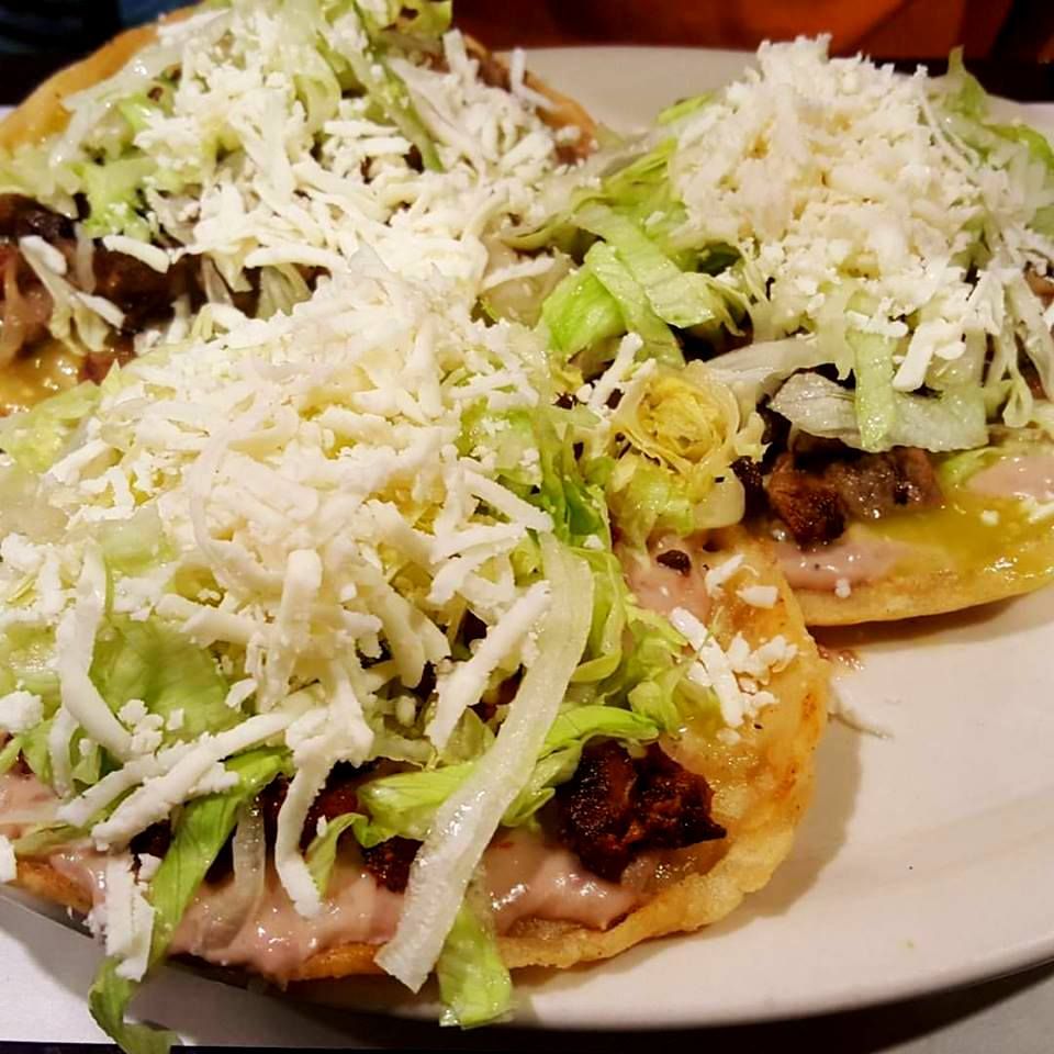 Sopes de carne assada ...
