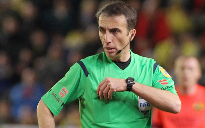 Who will be the Clasico referee