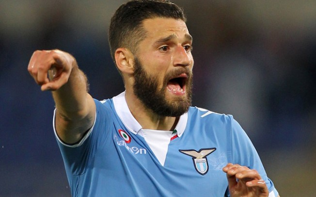Barcelona willing to negotiate with Lazio midfielder