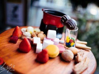 Candy Station - Fruits, melted chocolate, macaroons, marshmallows and churos