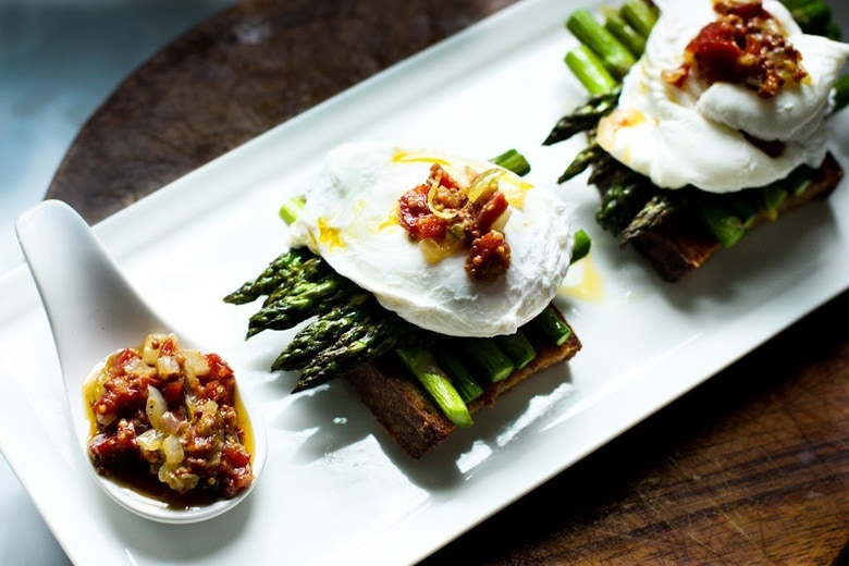 Asparagus with Poached Egg and Warm Bacon Vinaigrette ...