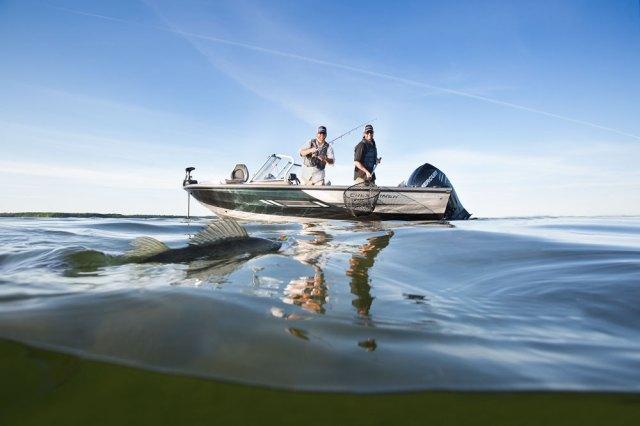 Freshwater Fishing Boats   boats.com