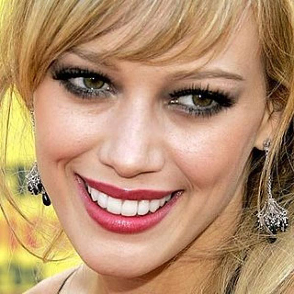8-Female-Celebrities-With-Not-So-Perfect-Smile (1)